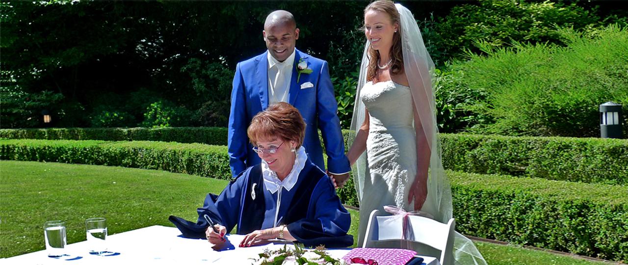 trouwen in de tuin van Mesdag colletie den haag